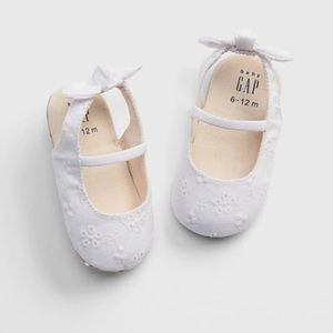Baby GAP embroidered ballet flats